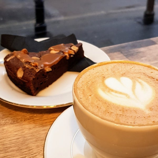 People, atmosphere, coffee and sweets - are awesome.