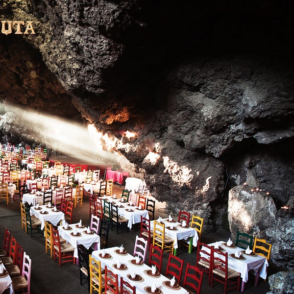 Foto tomada en La Gruta Restaurant por La Gruta Restaurant el 10/20/2014