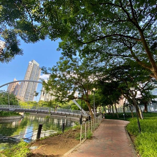 Foto diambil di Singapore River oleh Riann G. pada 7/26/2020