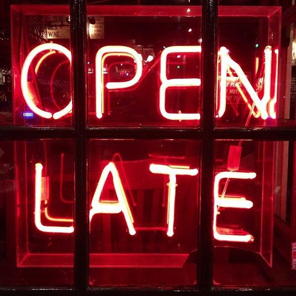 10/6/2012にStevie T.がBig Easy Bar.B.Q & Crabshackで撮った写真