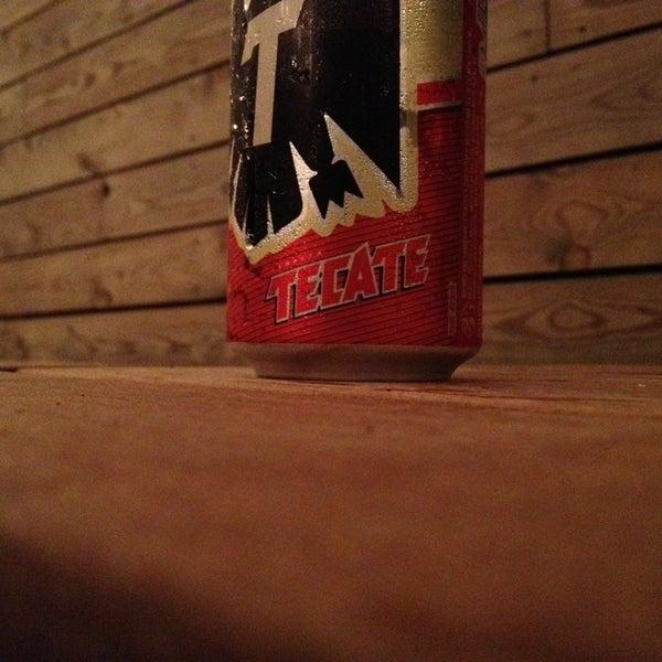 8/8/2013にJames P.がTrophy Barで撮った写真