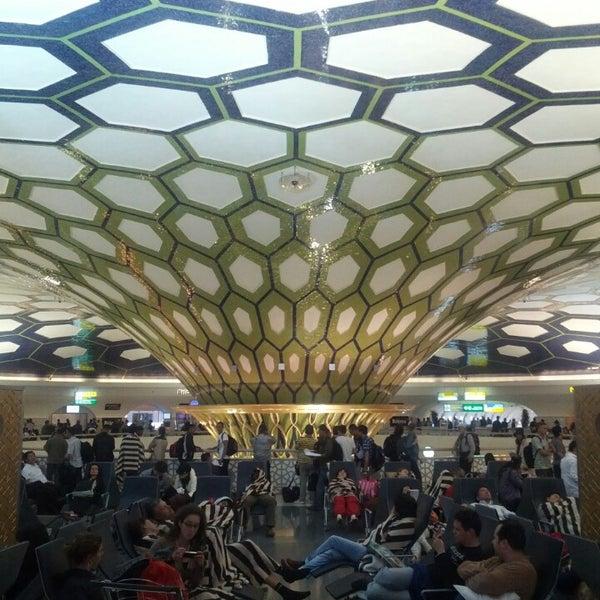 Photo prise au Abu Dhabi International Airport (AUH) par Vadim le5/26/2013