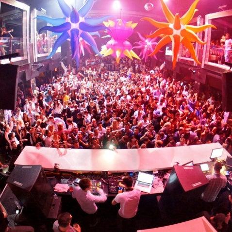 10/5/2012 tarihinde Purple M.ziyaretçi tarafından LIV Miami'de çekilen fotoğraf