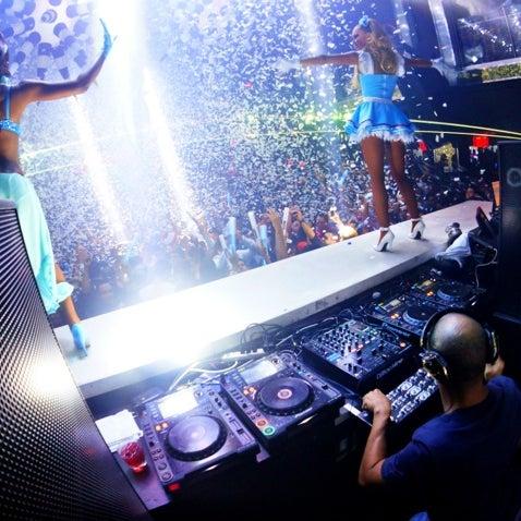 Снимок сделан в LIV Miami пользователем Purple M. 10/27/2012