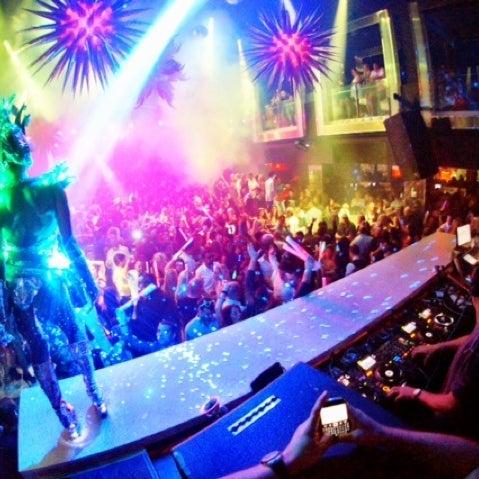 11/4/2012 tarihinde Purple M.ziyaretçi tarafından LIV Miami'de çekilen fotoğraf