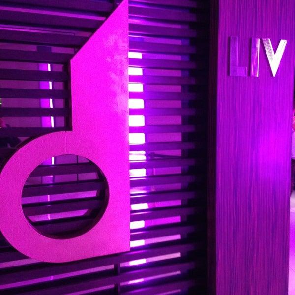 3/20/2013 tarihinde Purple M.ziyaretçi tarafından LIV Miami'de çekilen fotoğraf