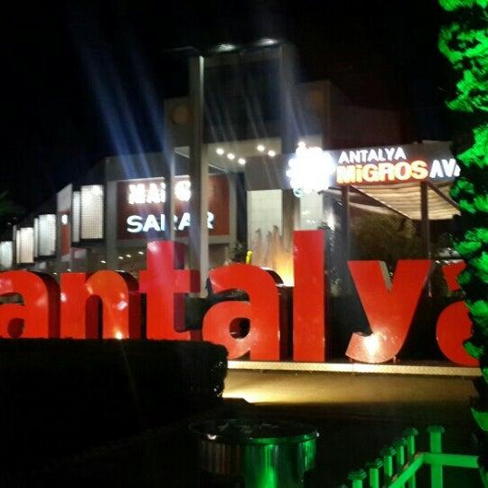 Photo prise au Antalya Migros AVM par Fatma K. le3/6/2016