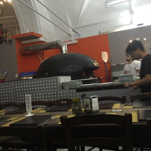 Foto tomada en Pizzeria O' Vesuvio Napoletana Forno Legna por Débora F. el 9/2/2017