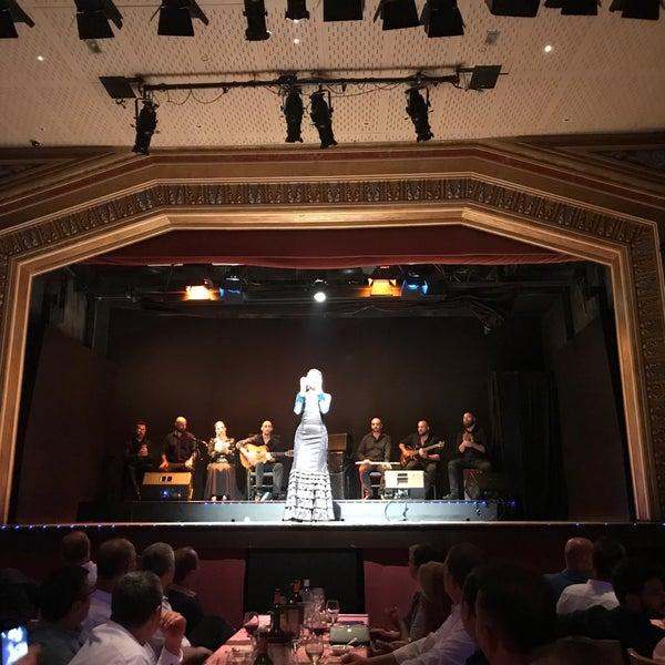 Das Foto wurde bei Palacio del Flamenco von Onur birkan O. am 6/24/2019 aufgenommen