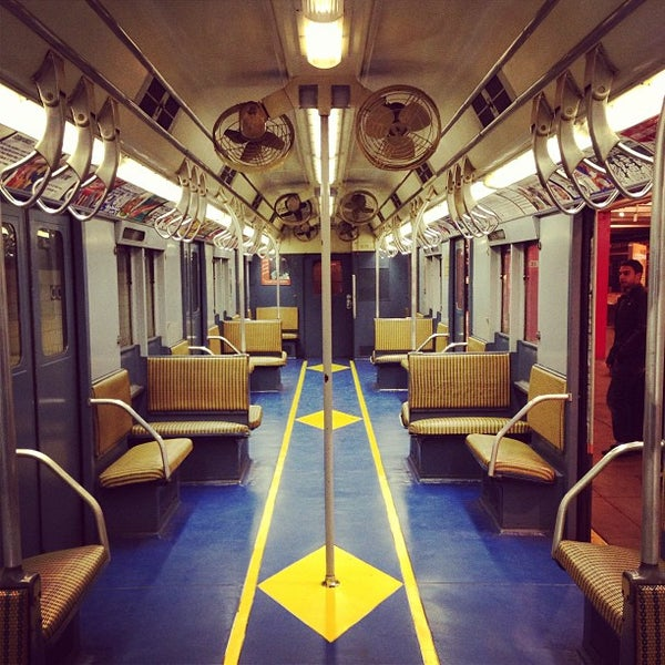 3/30/2013 tarihinde Seth W.ziyaretçi tarafından New York Transit Museum'de çekilen fotoğraf