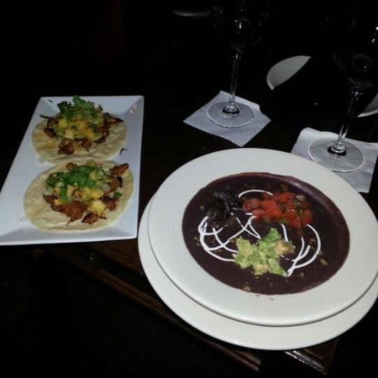 รูปภาพถ่ายที่ Paxia Alta Cocina Mexicana โดย Kris W. เมื่อ 1/11/2013