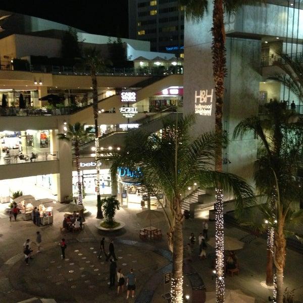รูปภาพถ่ายที่ Hollywood & Highland Center โดย Franklin R. เมื่อ 6/15/2013