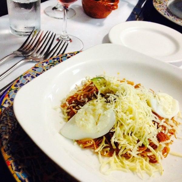 Das Foto wurde bei Restaurante Nicos von Paola A. am 6/29/2014 aufgenommen