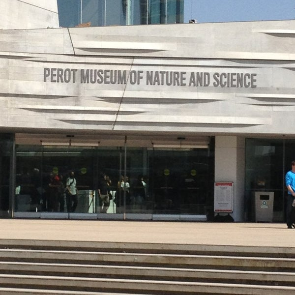 Foto tirada no(a) Perot Museum of Nature and Science por Tiffany G. em 3/18/2013