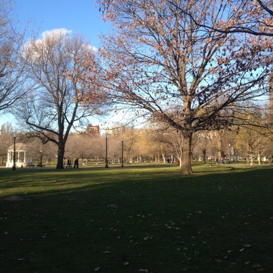 Foto scattata a Boston Common da Polly S. il 12/15/2012