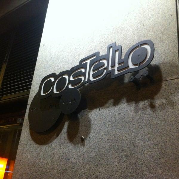 รูปภาพถ่ายที่ Costello Club โดย Jose L. M. เมื่อ 2/28/2013