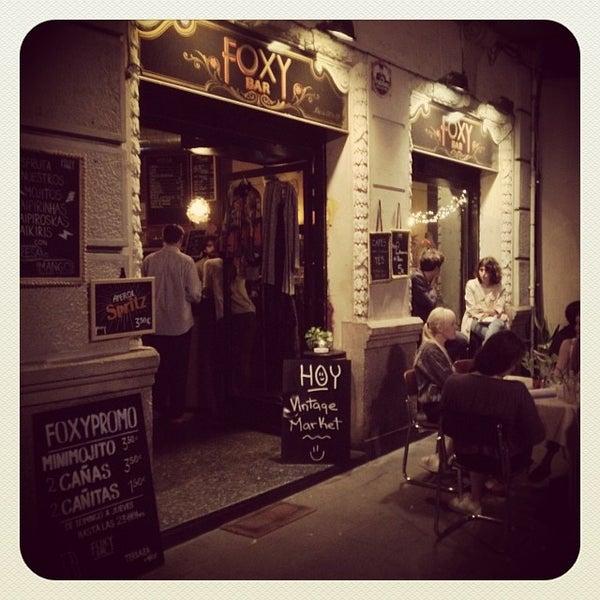 Foto tomada en Foxy Bar por FoxyBar B. el 10/20/2013