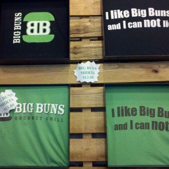 Foto diambil di Big Buns oleh Anthony C. pada 2/8/2012