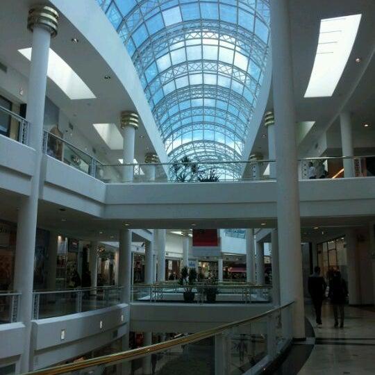 Foto tirada no(a) Shopping Crystal por Rodrigo D. em 3/29/2012