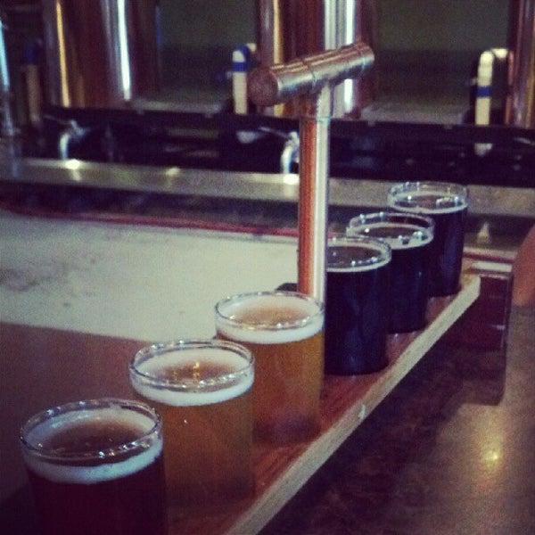 Снимок сделан в Saugatuck Brewing Company пользователем Sean M. 6/10/2012
