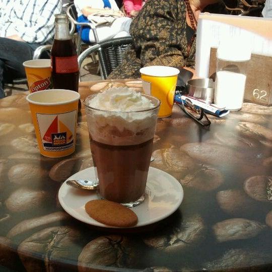 8/8/2012にRamona B.がLunch-Café Le Provenceで撮った写真