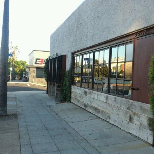 Foto tirada no(a) Bankers Hill Bar & Restaurant por M@ M. em 8/28/2012