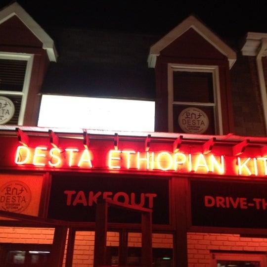 Снимок сделан в Desta Ethiopian Kitchen пользователем Tse 7/8/2012