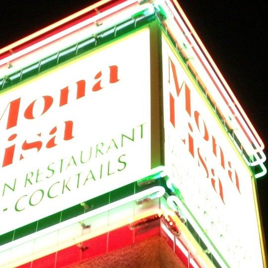 Das Foto wurde bei Mona Lisa Italian Restaurant von Bil B. am 3/24/2012 aufgenommen