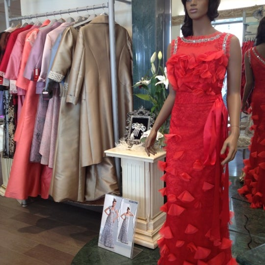 photos at la gioconda novias & fiesta - women's store in málaga