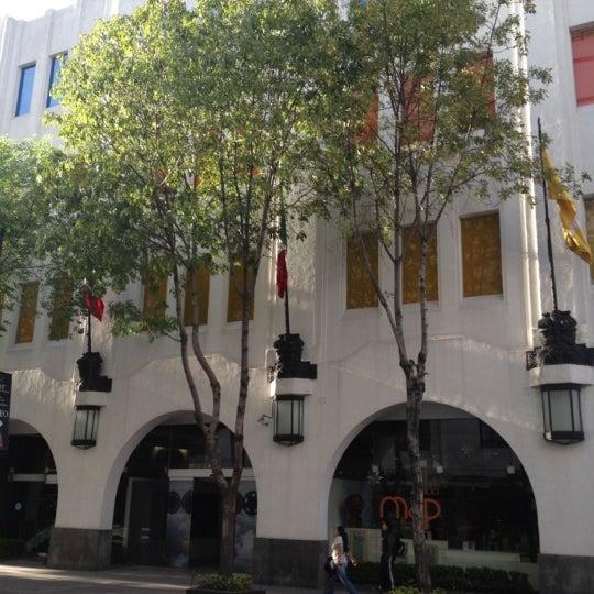 Снимок сделан в Museo de Arte Popular пользователем Marco Antonio R. 4/24/2012