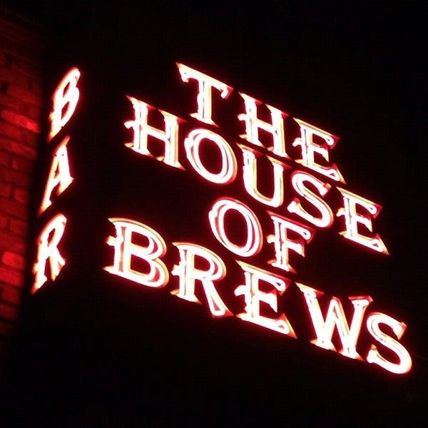 Das Foto wurde bei The House of Brews von Jeffrey P. am 6/2/2012 aufgenommen