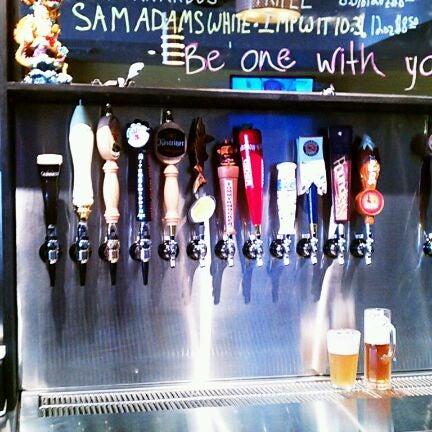 Photo prise au Buddha Beer Bar par D le3/27/2012