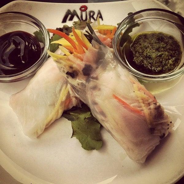 Das Foto wurde bei Mura Japanese Restaurant von Cameron D. am 6/21/2012 aufgenommen