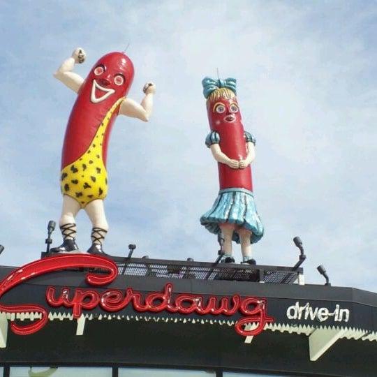 Снимок сделан в Superdawg Drive-In пользователем Robert C. 3/11/2012