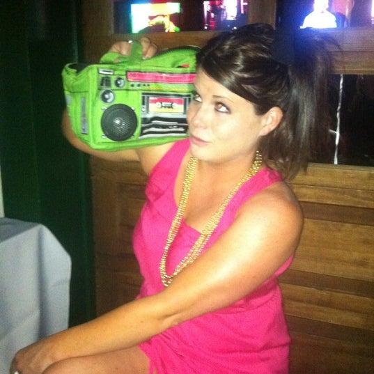 Foto tomada en Tavern At The Beach por Michelle M. el 6/21/2012