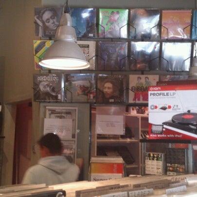 6/18/2012에 Сергей П.님이 Baza Record Shop에서 찍은 사진