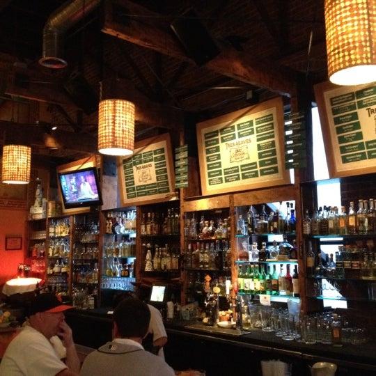 Foto scattata a TRES da Ray B. A. il 7/19/2012
