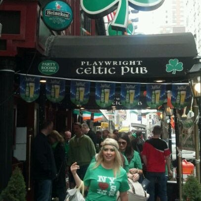 Foto tomada en Playwright Celtic Pub por Katy M. el 3/17/2012