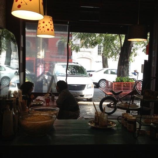 8/13/2012 tarihinde Roy S.ziyaretçi tarafından GourmArt'de çekilen fotoğraf