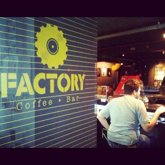 8/27/2012 tarihinde Lais G.ziyaretçi tarafından Factory Coffee Bar'de çekilen fotoğraf