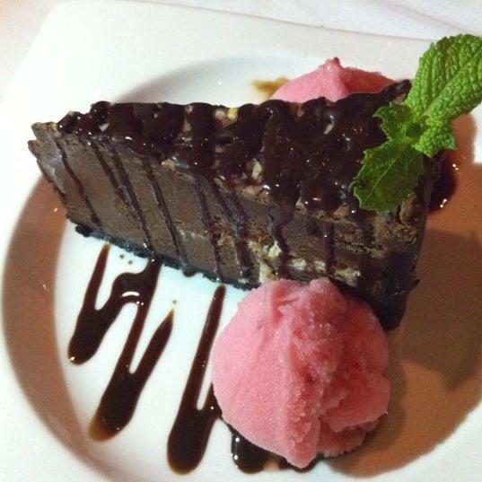 Foto diambil di Chima Brazilian Steakhouse oleh Chen C. pada 7/18/2012