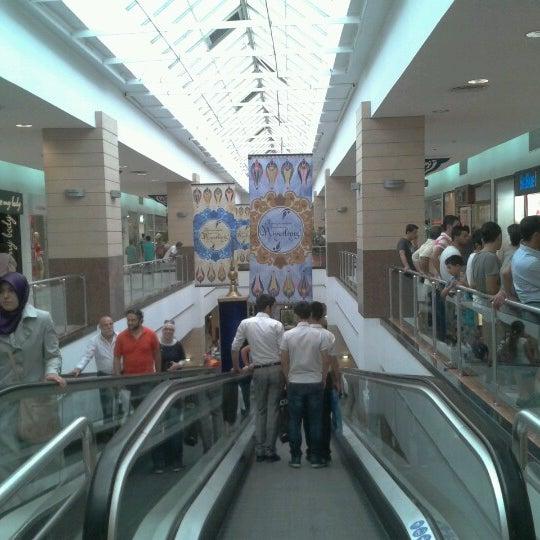 Das Foto wurde bei Beylikdüzü Migros AVM von Mehmet Ç. am 8/18/2012 aufgenommen