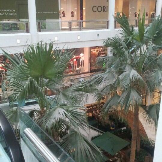 Foto diambil di Shopping Crystal oleh Daniel S. pada 1/16/2013