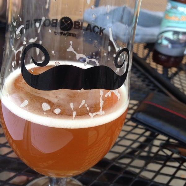 10/8/2013에 Joey Z.님이 Black Bottle Brewery에서 찍은 사진