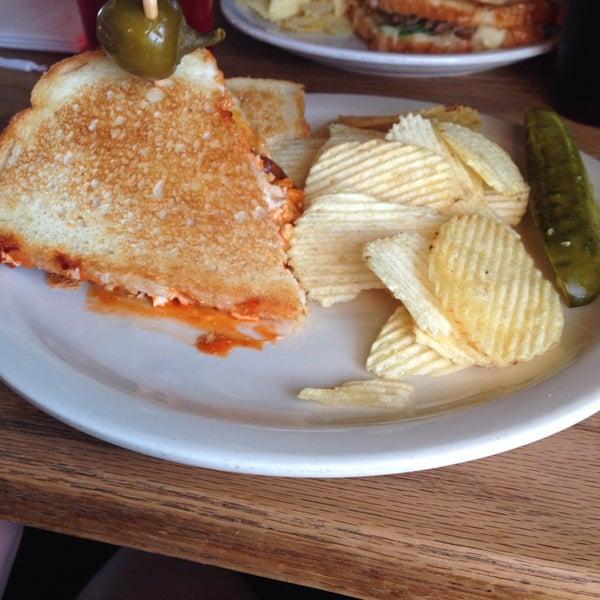 Foto tirada no(a) Hammontree's Grilled Cheese por Emberleigh C. em 4/10/2014