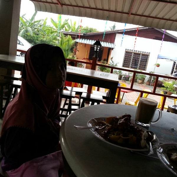 Photo Taken At Famous Rojak By Abd R On 6 11 2014