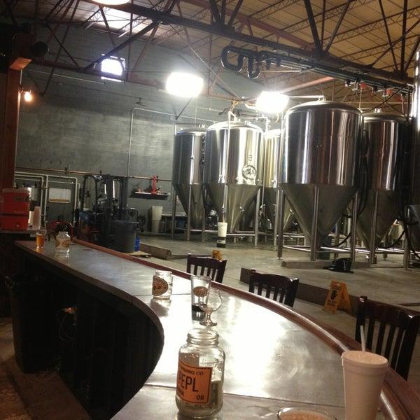 Foto diambil di Good People Brewing Company oleh Julia M. pada 2/17/2013