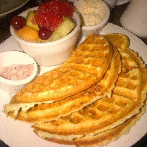 11/13/2012 tarihinde Basziyaretçi tarafından Good Enough to Eat'de çekilen fotoğraf
