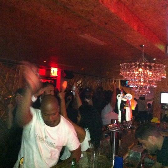 Das Foto wurde bei Vodou Bar von Troy H. am 11/2/2012 aufgenommen