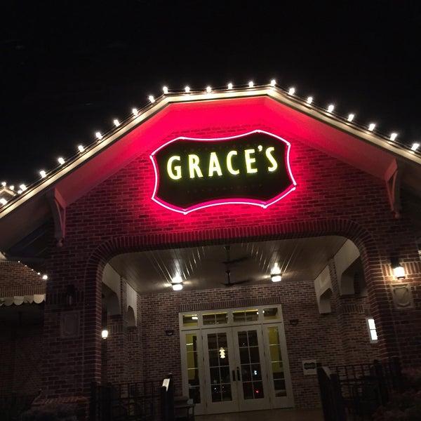 รูปภาพถ่ายที่ Grace's โดย Mark T. เมื่อ 7/19/2015